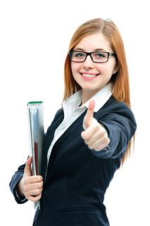 Geschäftsfrau hält nach Berufschancen der Psychologie ausschau